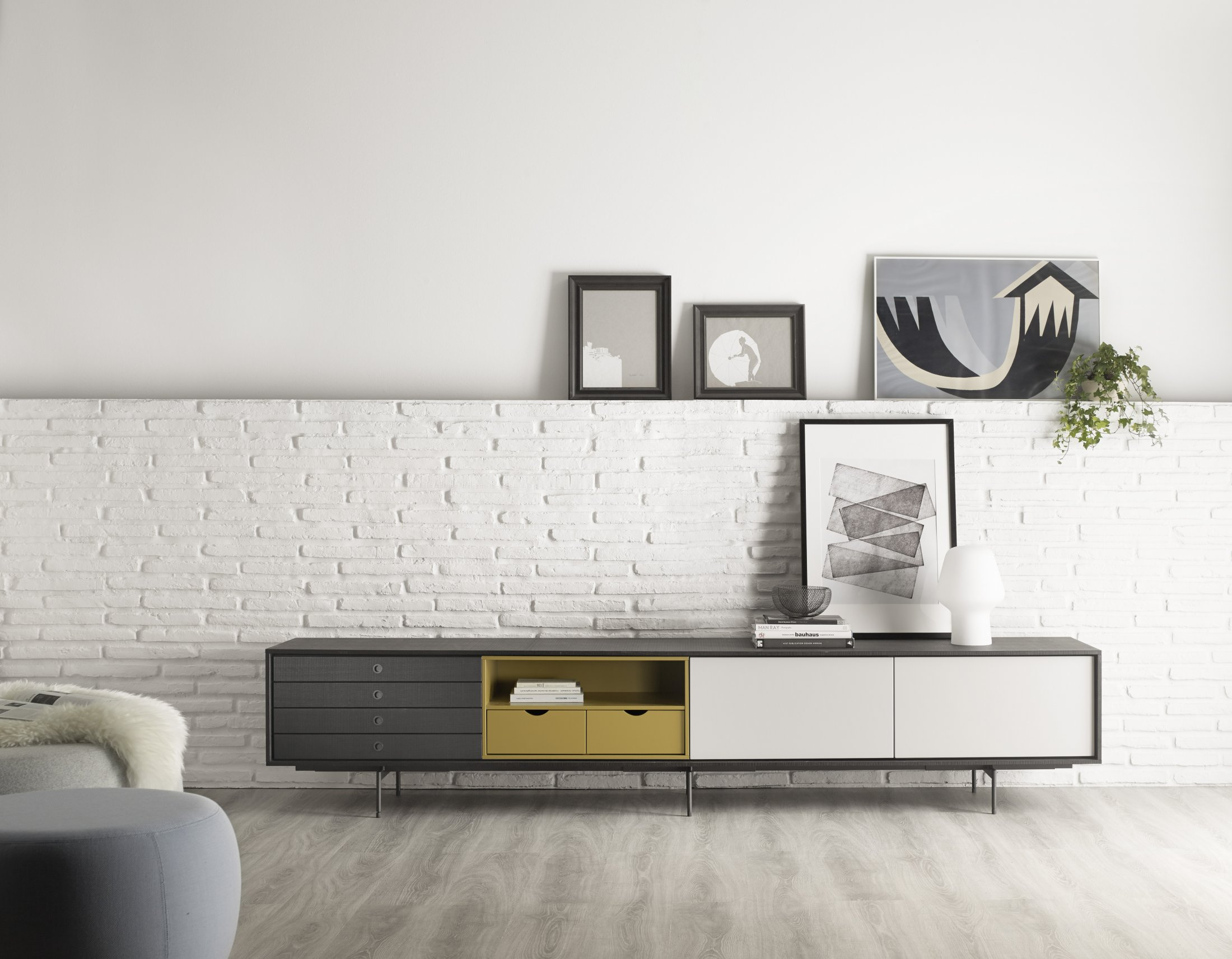 Mueble de tv categor as de los productos mbit for Muebles bajos para salon