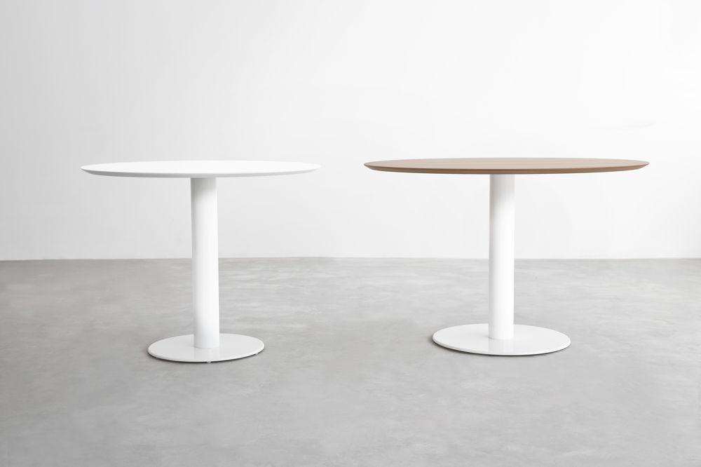 stua-zero-mesa-pie-base-acero-cromado-aceroinox-estructura-blanca-tapa-madera-hpl-redonda-cuadrada-