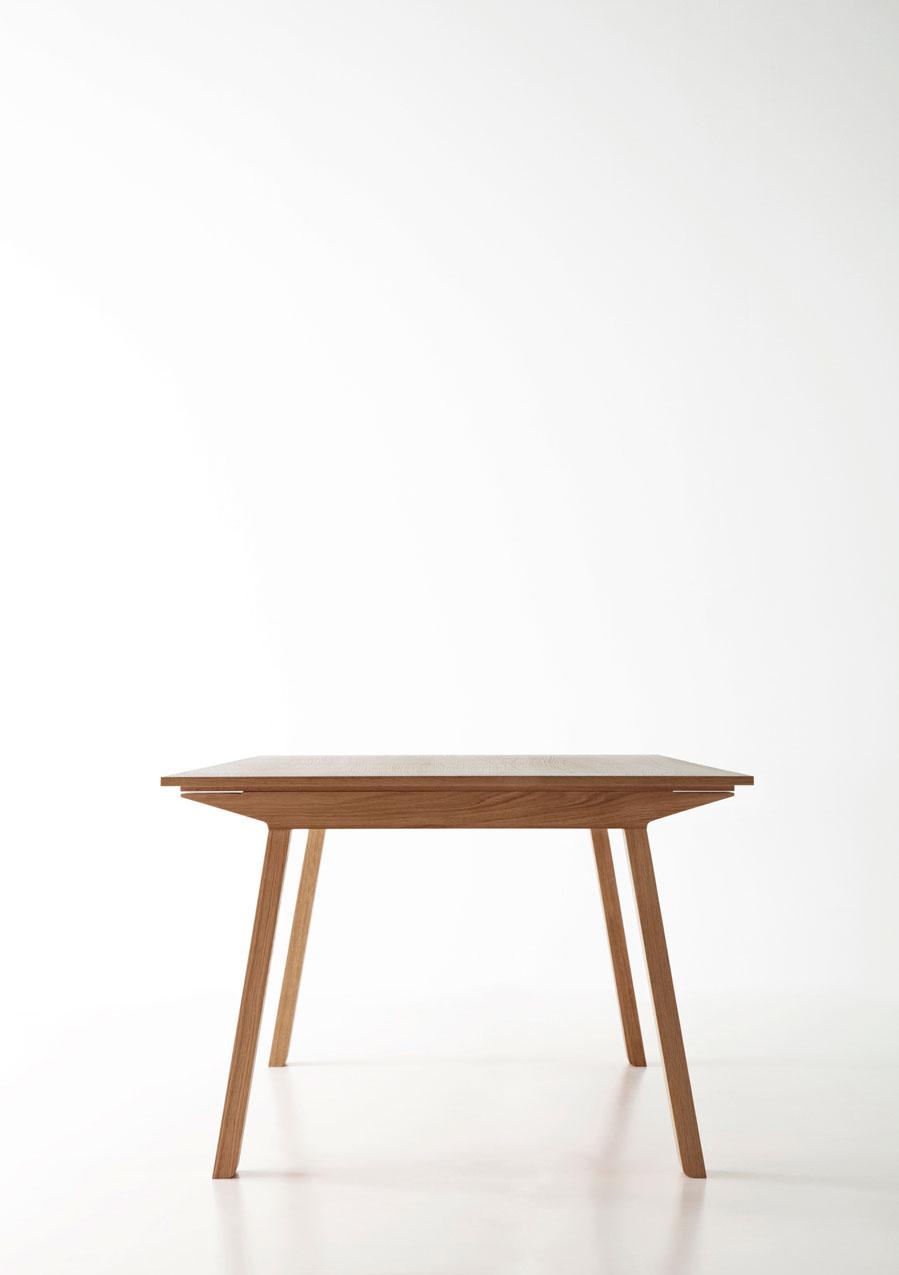 Mitis-mesa-salon-comedor-madera-roble-nogal-laca-poro-abierto-colores-circular-rectangular-puntmobles-coleccion-detalle-lateral-patas-tipo-caballete
