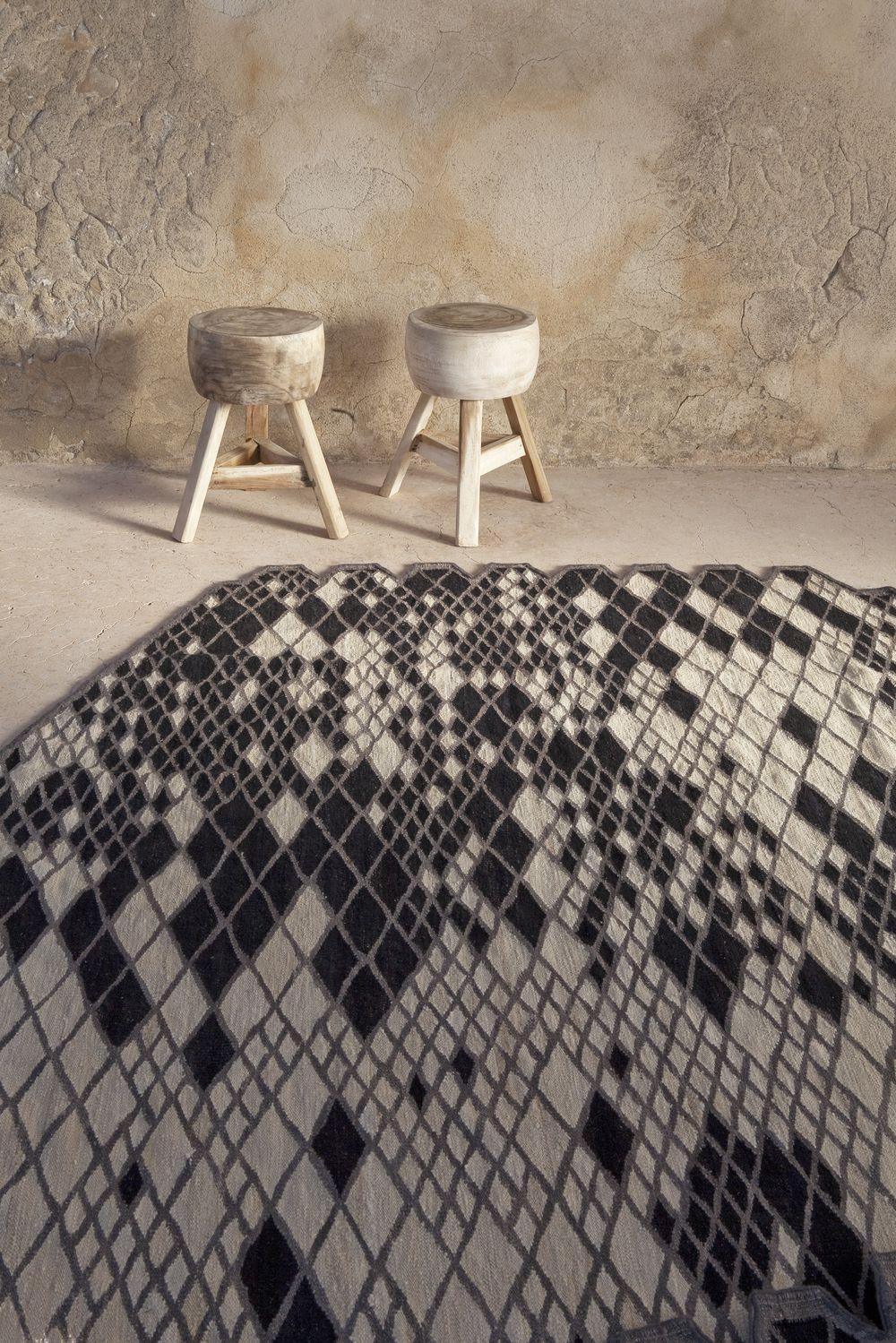 alfombra-nanimarquina-coleccion-losanges- gris-negro
