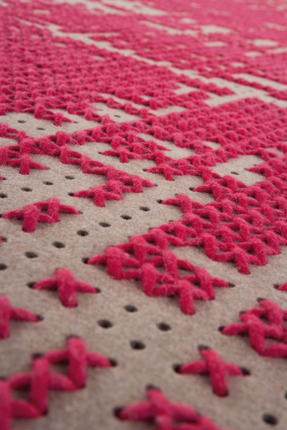 alfombra-rug-marca-gan-gandia-abstract-canevas-charlotte-lancelot-detalle