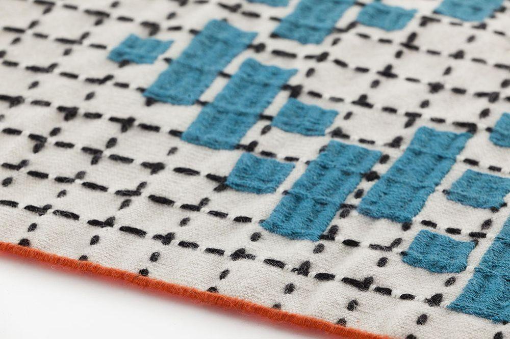 alfombra-rug-marca-gan-gandia-color-bandas-patricia-urquiola-1 (2)