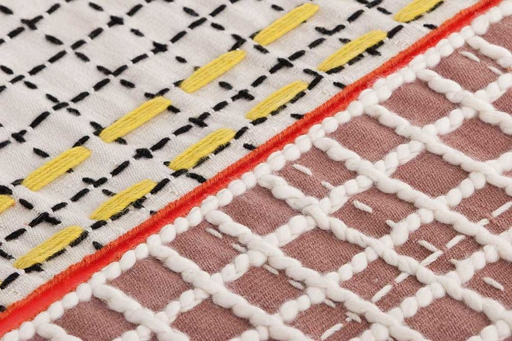 alfombra-rug-marca-gan-gandia-color-bandas-patricia-urquiola-detalle-