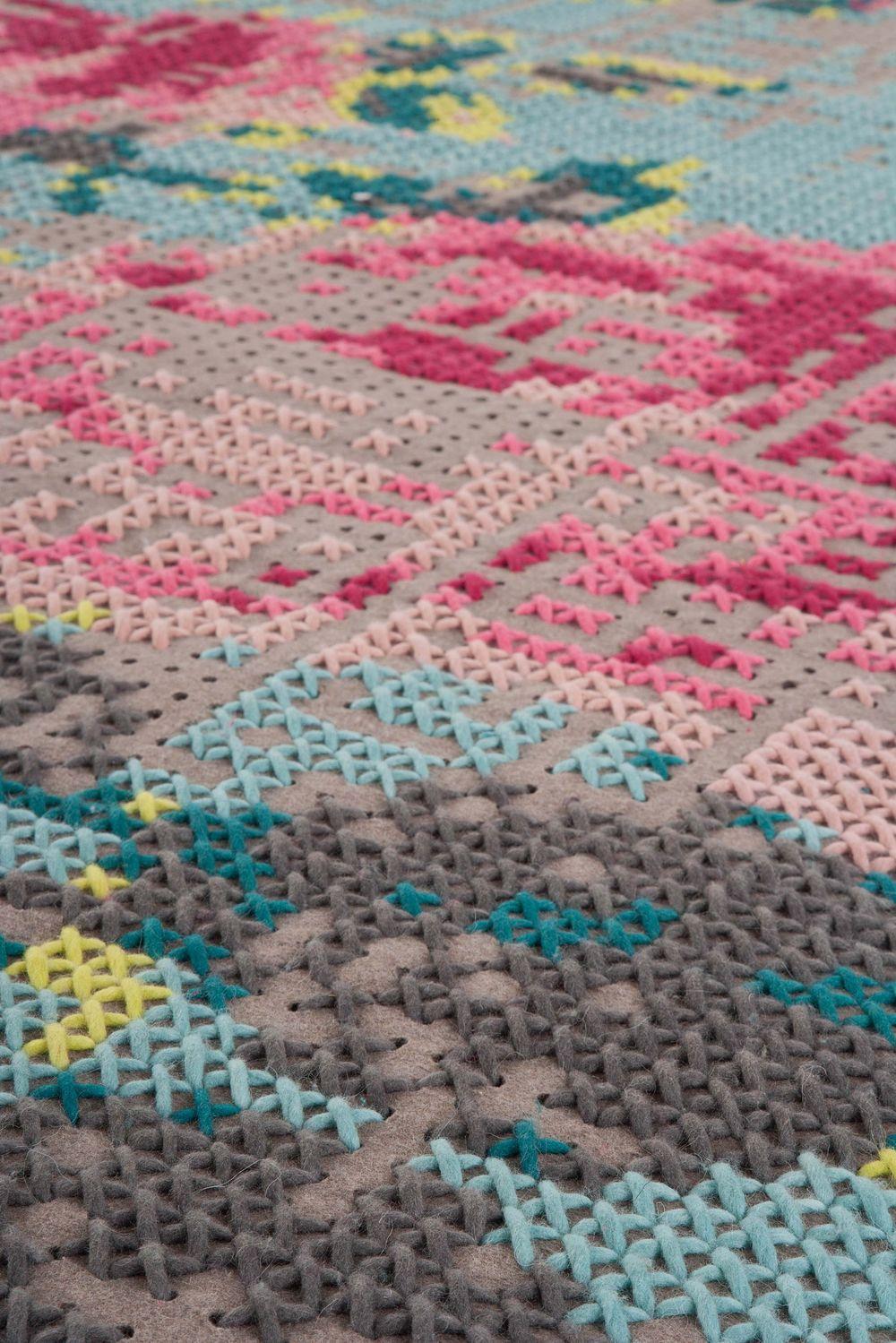alfombras-rugs-gan-flowers-canevas-charlottelancelot-detalle