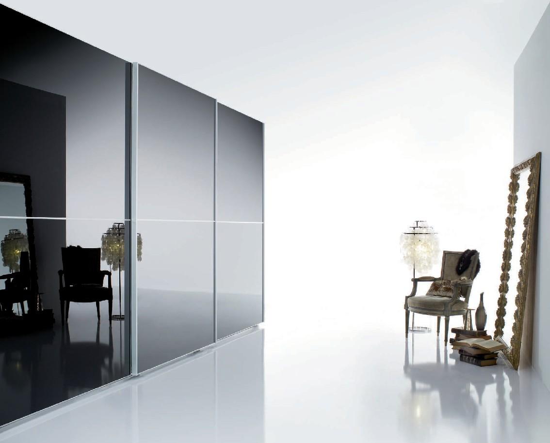 Armario puertas marco aluminio y cristal | Àmbit
