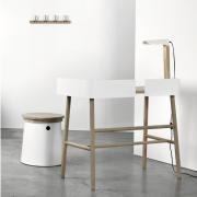 b-universo-positivo-escritorio-madera-metal-blanco-detalle