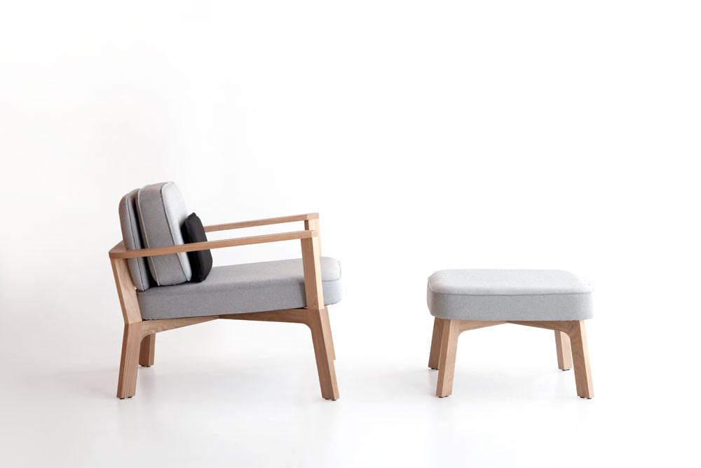 butaca-pouf-punt-puntmobles-breda-madera-roble-macizo-tapizado-