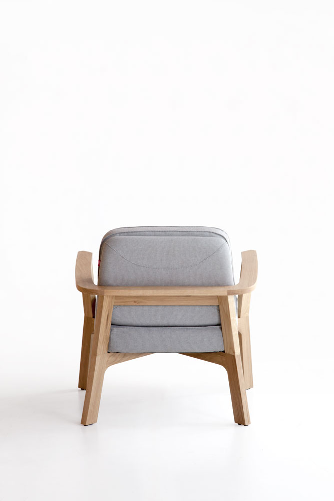 butaca-punt-puntmobles-breda-madera-roble-macizo-tapizado-detalle-acabado