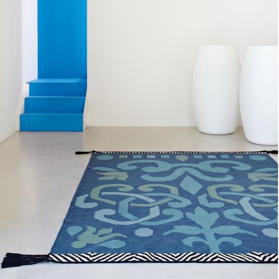 kilim-arabesco-alfombra-azul-Gandia-Blasco