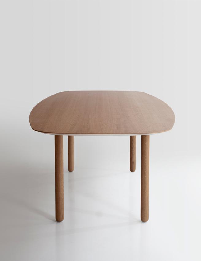 mesa-punt-puntmobles-maeda-madera-pata-cilindrica-roble