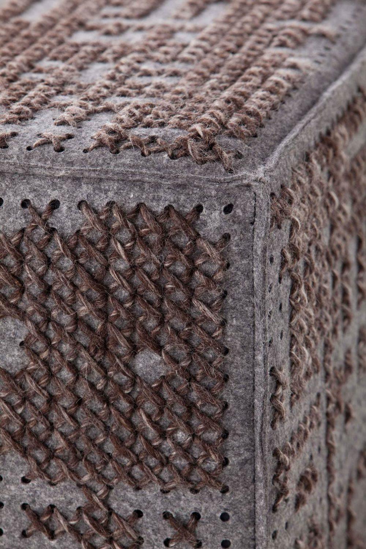 puf-gan-abstract-canevas-charlotte-lancelot-alfombras-modular-abstract-detalle marron