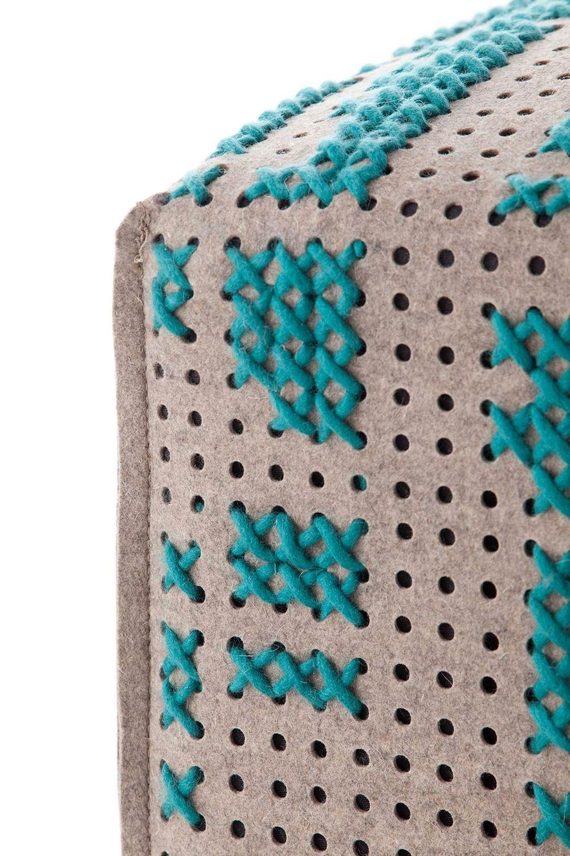 puf-gan-abstract-canevas-charlotte-lancelot-alfombras-modular-square-abstract-
