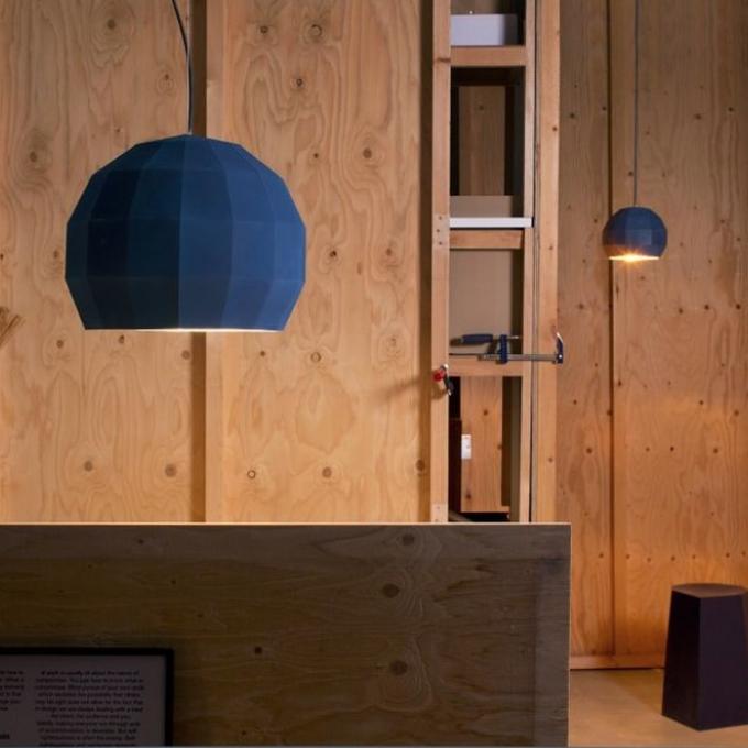 Lámpara suspendida color azul de marset