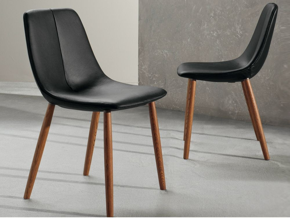 by-bonaldo-silla-piel-patas-madera