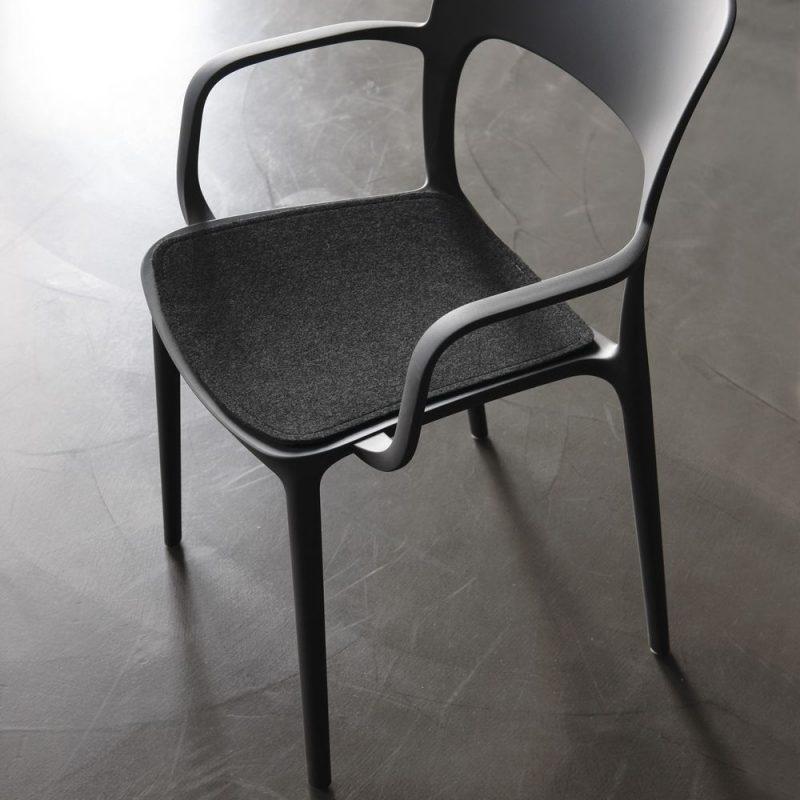 gipsy-bontempi-silla-pilipropileno-asiento-tapizado.jpg