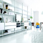libreria-extendo-columnas-techo-lacado-blanco