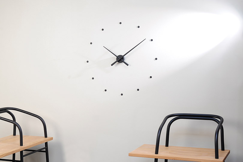oj-nomon-clocks-black-furniture