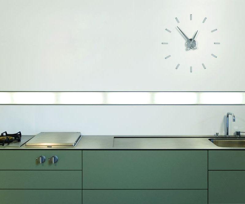 reloj-marca-nomon-puntos-suspensivos-reloj-madera-reloj-acero