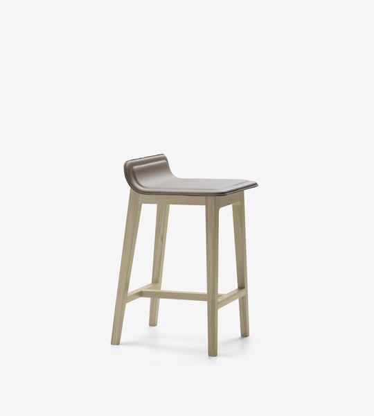 taburete-laia-alki-patas-mdera-asiento-tapizado