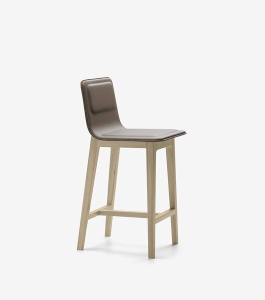 taburete-laia-alki-patas-mdera-respaldo-asiento-tapizado