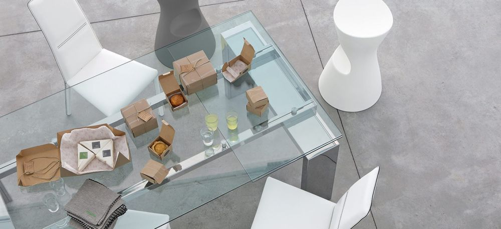 Mesa tom mbit for Pedestales metalicos para mesas