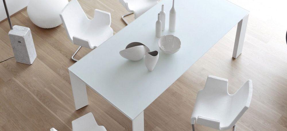 994f256d99e twice-bonaldo-mesa-comedor-sobre-cristal-blanco-color-