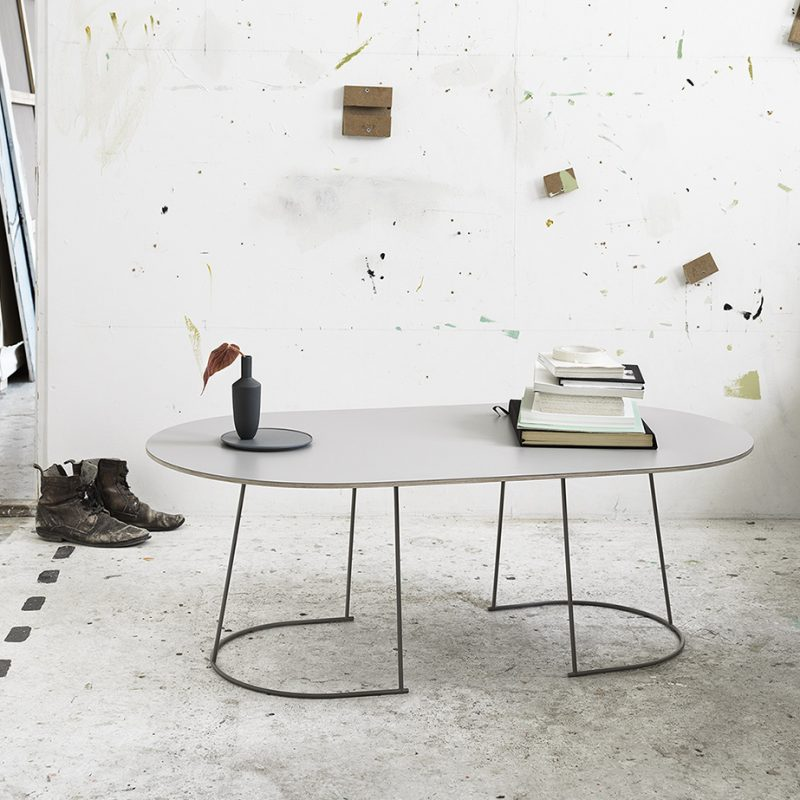 Coffee-table-mesa-baja-auxiliar-Muuto-Airy