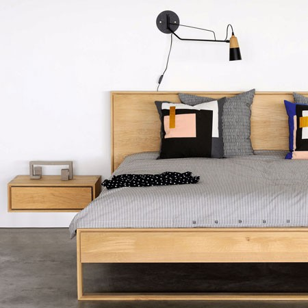 ethnicraft-nordic-ii-hanging-bedside-table-hover-mesilla-noche