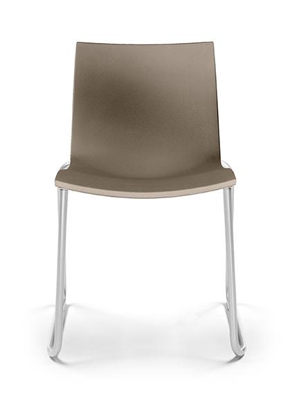 mobles114-gimlet-sled-chairs-jorge-pensi-gr-hr-n001