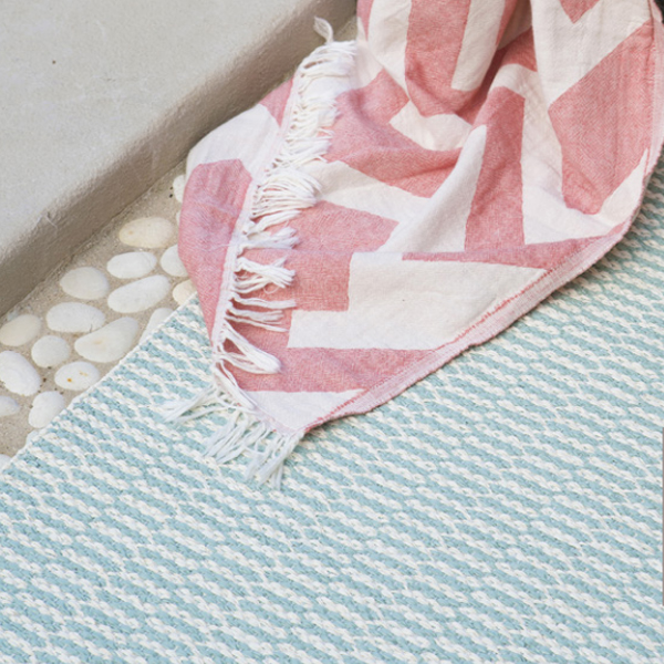 brita-sweden-alfombra