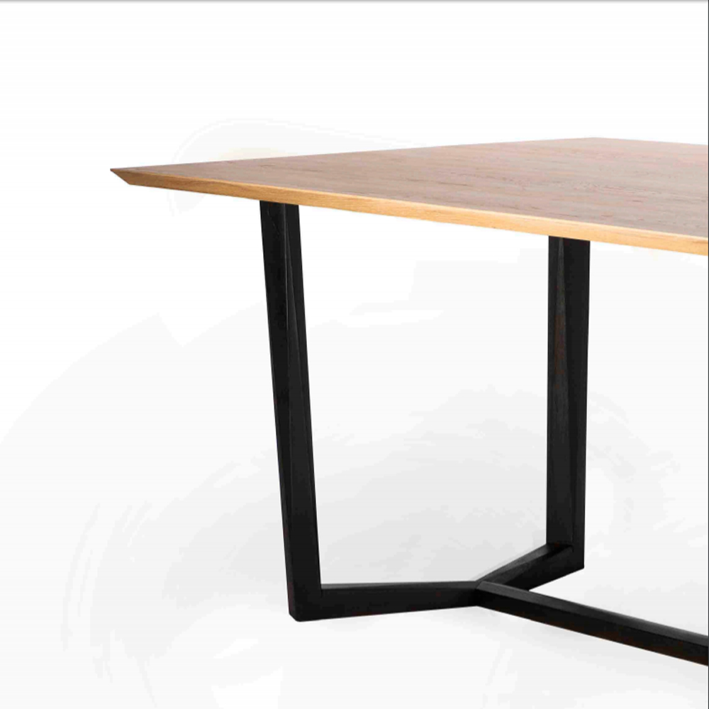 Facette-Mesa-dinning-table-roble-macizo