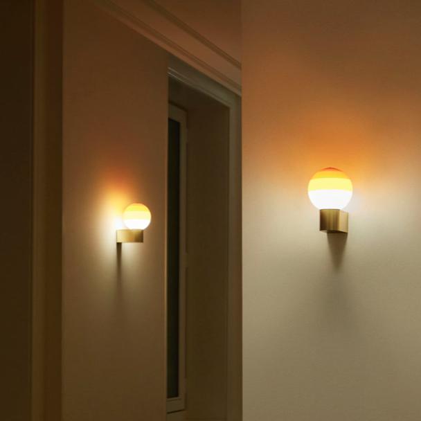 Dipping-light-lampara-pared