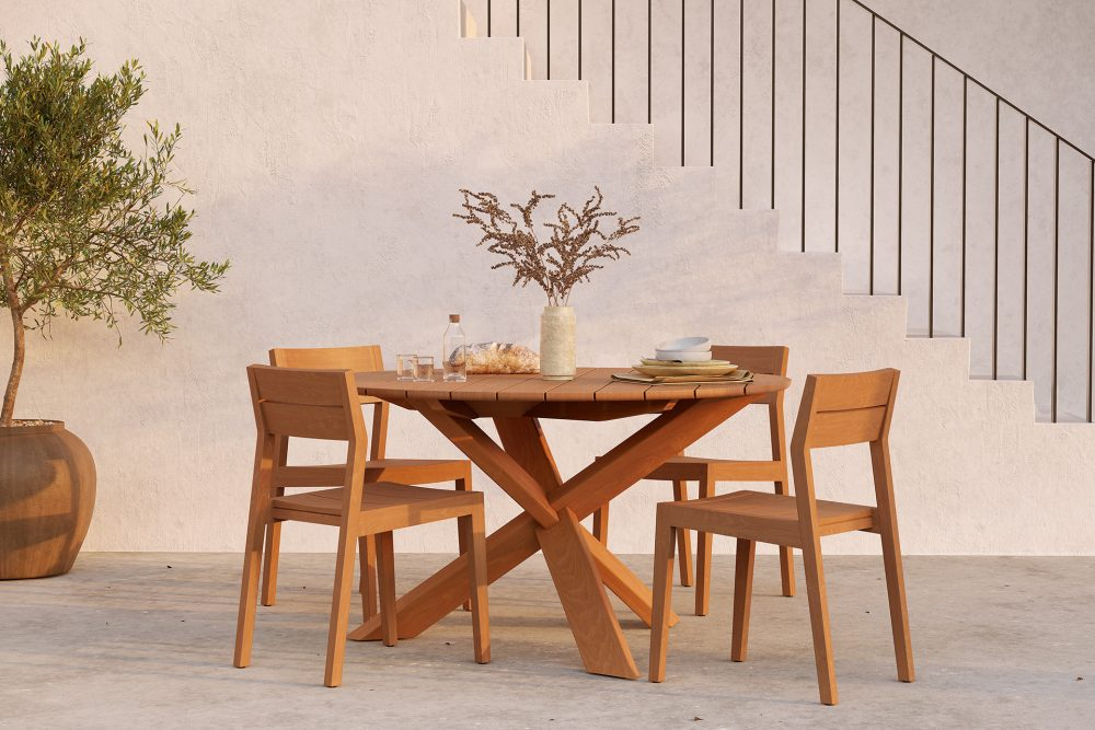 10285_Teak_EX_1_Outdoor_chair_10281_Teak_Circle_Outdoor_dining_table_WEB